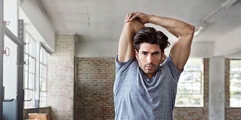 Exemple d'étirement - les triceps et la partie latérale du torse (image Google)