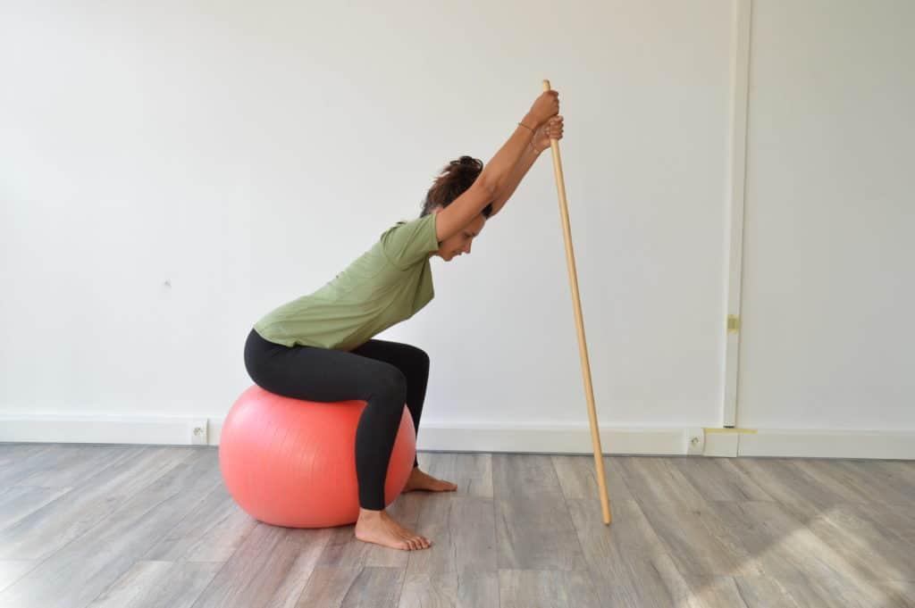 Etirement du dos et de la poitrine (image Actif-Coaching)