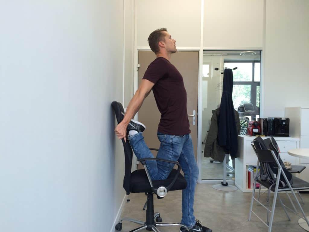 Correction posturale : Extension de la jambe (image Actif Coaching)